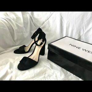 ✨FLASH SALE✨NINE WEST suede strappy heels